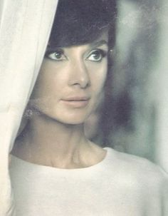 """My look is attainable. Women can look like Audrey Hepburn by flipping out their hair, buying the large sunglasses, and the little sleeveless dresses. Katharine Hepburn, Style Audrey Hepburn, Classic Hollywood, Old Hollywood, Pretty People, Beautiful People, Scarlett, Fair Lady, Classic Beauty"