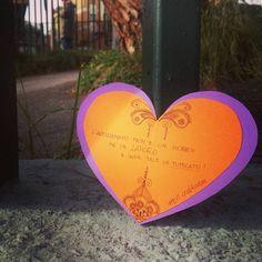 """E con Febbraio parte la campagna dell' #etsyitaliateam a favore del #craftivism! Yeah!👍... è arrivato il momento di spargere i nostri cuori 💜 ovunque e se non sapete come fare andate sul profilo @italiahandmade o sulla pagina di fb """"handmade italia"""". Aiutateci a diffondere l'amore e il rispetto per l'#handmade e l'#artigianato  partecipando alla campagna """"Fatto a mano con il cuore"""". 💜💚💙💛😘 #EITcraftivism #fattoamanoconamore #handmadewithlove  #artigianatodicuore"""