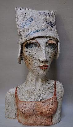 Teresa Girones Paper Mache Sculpture, Sculpture Art, Ceramic Figures, Ceramic Art, Pottery Angels, Tulips In Vase, Clay Studio, Art Corner, Ceramic Animals