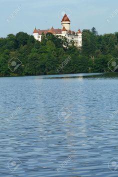 http://it.123rf.com/photo_50729886_konopiste-castle-czech-republic.html