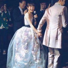 天才アーティスト三浦大地さんって知ってる?まるでお花が浮いているみたいな、可愛すぎるドレスに芸能界も大注目なんです♡