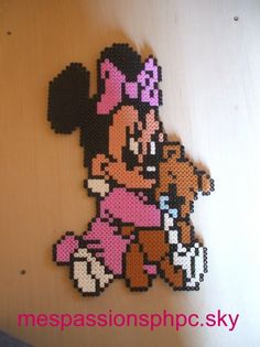 Baby Minnie Mouse hama perler by mespassionsphpc