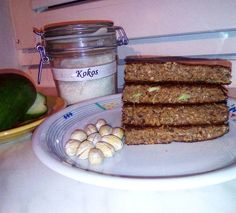"""OMLET Z AWOKADO ❤ 2jajka, awokado, odżywka białkowa, kakao, kokos, drobno starta marchewka, ▶wszystkie składniki zblendowac i siup na nagrzaną patelnie ❤❤❤ DO tego pistacje  ▶""""nie czekaj na idealny moment, wybierz moment i spraw by stał się idealny""""✔ Uciekam na trening plecków  miłego wszystkim   #breakfast #sniadanie #omlet #omlette #kokos #awokado #pistacje #protein #sniadaniemistrzow #nosugar #bezcukru #fitfood #gymfood #eatclean #instafood #instadiet #recipe #reduce #foodforfitn..."""