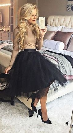Christmas Party Outfits Work Cena navideña The holiday outfits to copy directly from your fa Look Fashion, Autumn Fashion, Holiday Fashion, Street Fashion, Fashion Black, Street Chic, Party Fashion, Fashion Fashion, Retro Fashion