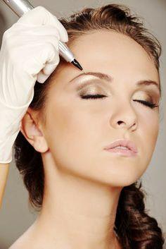 #LAngolodelleFate offre servizi di #TruccoSemipermante: tatuaggi per contorno #labbra, #eyeliner e #sopracciglia effettuati da professionisti. Questa tecnica permette di avere un aspetto sempre curato ed anche un ottimo supporto al #makeup quotidiano