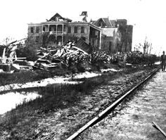 Ursuline Academy in Galveston after the Great 1900 Storm 1900 Galveston Hurricane, Texas Hurricane, Galveston Texas, Galveston Island, Texas City Explosion, Hurricane History, Texas Weather, Texas Things, Fun Places To Go