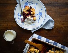 Mixed fruits baked with an oat-biscuit cobbler (by what should i eat for breakfast today)