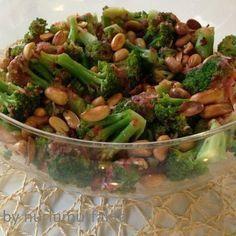 Brokoli salatası,Akdeniz soslu brokoli salatası,değişik salatalar,diet salata tarifleri,brokoli