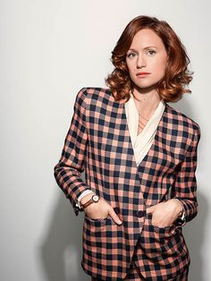 Halt and catch Fire Season 3 - Character portrait: Kerry Bishe as Donna Clark. Photo by James Minchin III