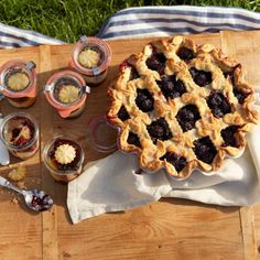 WS fruit pie in traditional sense and individual ones in Weck jars
