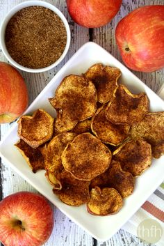Clean Eating Cinnamon Vanilla Apple Chip...made with only 4 clean ingredients and they're raw, vegan, gluten-free, dairy-free, paleo-friendly and contain no refined sugar | The Healthy Family and Home