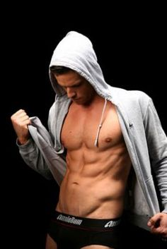 Dan ewing/heath braxton from home and away Best Eye Candy, Charms Lol, Shirtless Hunks, Something In The Way, Male Fitness Models, Hot Actors, Home And Away, Gorgeous Men, Mens Fitness