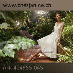 Spührst Du die frische Brise die von diesem herrlichen Brautkleid aus geht? 💚💛💚   #chezjanine #chezjaninebubikon #brautkleid #braut #brautmode #brautpaar #brautmodengeschäft #hochzeit #hochzeitskleid #hochzeitschweiz #weddingschweiz #swisswedding hochzeit2020 #hochzeit2021 #hochzeit2022 #liebe #fürimmer #bubikon #zürich #schweiz #hochzeitsplanung #heiraten #reallove #hochzeitsinspiration #aufimmerundewig #happilyeverafter #instabraut #weddingplanning #zivilheiraten #kurzesbrautkleid Formal Dresses, Fashion, Newlyweds, Getting Married, Marriage Dress, Evening Dresses, Dresses For Formal, Moda, Fashion Styles