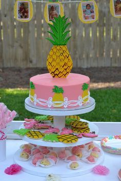pineapple party first birthday. pineapple theme cake