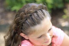 Amazing tiara look and so easy!   #hairstyles #hairstyle #cutegirlshairstyles #princesshair #CGHsplitheadband #braid #pullthrubraid