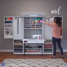 The ultimate sewing box🙌 By: The Original Scrapbox recover deleted photos android 2020 Sewing Nook, Sewing Room Design, Craft Room Design, Home Room Design, Diy Sewing Table, Sewing Diy, Sewing Hacks, Craft Tables With Storage, Craft Room Storage
