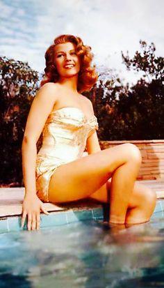 Rita Hayworth Old Movie Stars, Classic Actresses, Rita Hayworth, Famous Women, Old Movies, Wonder Woman, The Incredibles, Superhero, Fictional Characters