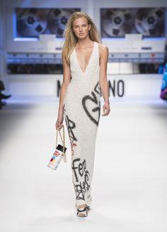 Moschino AW 15/16 Fashion Show