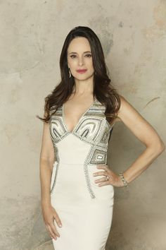 Madeleine Stowe Stars as Victoria Grayson in Revenge Season 3 Revenge Tv Show, Revenge Abc, Revenge Season 3, Victoria Grayson, Hot Moms Club, Madeleine Stowe, Revenge Fashion, Emily Vancamp, Stylish Clothes