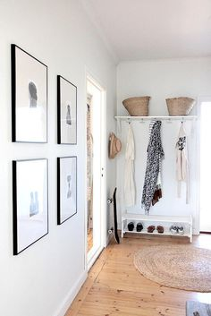 Hallway – Home Decor Designs Decoration Hall, Decoration Entree, Entryway Decor, Entry Stairs, Foyer Decorating, House Entrance, Modern Entrance, Apartment Living, Home And Living