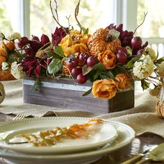 Discover recipes, home ideas, style inspiration and other ideas to try. Fall Table Settings, Thanksgiving Table Settings, Thanksgiving Tablescapes, Holiday Tables, Thanksgiving Decorations, Autumn Decorations, Rustic Thanksgiving, Thanksgiving 2020, Fall Dining Table