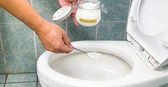 Замена дорогостоящим средствам! Чистка туалета, должно быть, одна из наименее любимых домашних обязанностей, но мы знаем, что это нужно делать. Поддержание вашего туалета свежим, чистым и без микробов чрезвычайно важно для благополучия всей вашей семьи, но кто сказал, что вы не можете сделать эту работу проще? Вместо того, чтобы инвестировать в дорогостоящие чистящие средства, насыщенные жесткими химикатами, почему бы вам не попробовать следующее домашнее очистительное средство для туалета?…