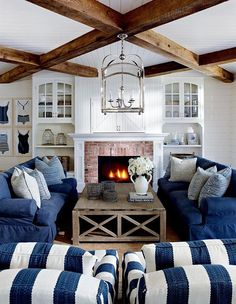 Couurs we Love : Navy Blue Preppy, nautical and timeless — yet always on trend — n...