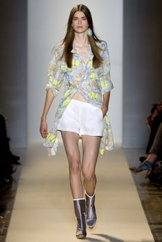 Vanessa Bruno Spring 2011 Ready-to-Wear Collection Photos - Vogue