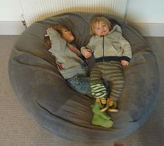 Jovial Spondoodles: Giant Bean Bag Tutorial
