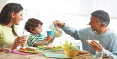 As 10 regras de etiqueta para ensinar nossos filhos a comer corretamente! - Just Real Moms