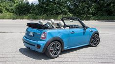 MINI Cooper cars are the ideal option if you desire a vehicle that is simple to go around in the Midlothian region. Mini Cooper S, Cooper Cars, Mini Cabrio, Mini Cooper Convertible, Dream Cars, Classic Cars, Minis, Awesome, Kite