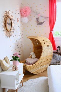 我們看到了。我們是生活@家。: 月亮造型的嬰兒床!太夢幻了!法國Creme anglaise100%手工打造!