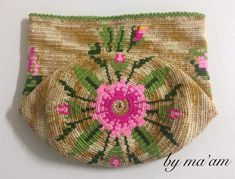 BEAUTIFUL!!! Tapestry Bag, Tapestry Crochet, Filet Crochet, Knit Crochet, Bag Pattern Free, Cross Stitch Embroidery, Tabata, Purses And Bags, Needlework