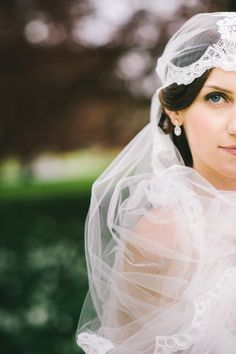 Lace wrap veil | Photography: Katie Slater Photography - katieslaterphotography.com  Read More: http://www.stylemepretty.com/2014/10/07/gatsby-inspired-wedding-at-branford-house/