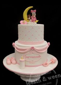 Baby Minnie sitting on the Moon - by weennee @ CakesDecor.com - cake decorating website