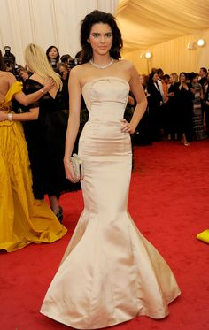 Kendall Jenner in TopShop at the 2014 Met Gala | Getty Images | blog.theknot.com