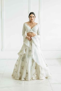 Desi Wedding Dresses, Pretty Prom Dresses, Indian Wedding Outfits, Party Wear Dresses, Bridal Outfits, Indian Outfits, Bridal Dresses, Ivory Dresses, Indian Dress Up