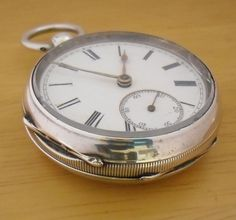 Wide selection of looks and brands of ladies wrists watches. Silver Pocket Watch, Pocket Watch Antique, Old Pocket Watches, Watch Gears, Vintage Watches, Luxury Watches, Antique Silver, Watches For Men, Antiques