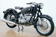 This BMW R 69 S sold for €22,230 ($23,577) at RM-Sotheby's DueMile Route auction in Milan...