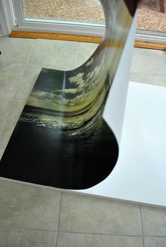 Directions for transferring a picture to a canvas.