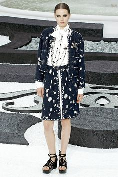 Chanel Spring 2011 Ready-to-Wear - Collection - Gallery - Style.com