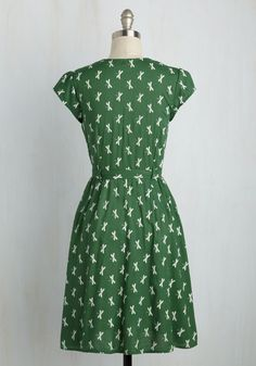 Exercise full control of your sweet style in this cap-sleeved frock! Its white print features sweet dragonflies, and, topped off with subtle, retro lapels, this fern green number is bound to brighten the days of those that adore your chic sensibilities.