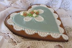 Earthy | Cookie Connection Gingerbread heart, hand piped needlepoint and roses, decorative hear cookie