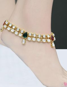 Indian traditional accessory for your feet called us anklet, pajeb or payal with world famous kundan craftsmanship.