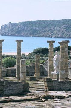 HISPANIA ROMANA Conjunto Arqueológico Baelo Claudia, una ciudad romana ideal en un parque natural cerca de Tarifa (Cádiz)