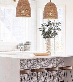 Modern Home Decor Kitchen Home Decor Kitchen, New Kitchen, Home Kitchens, Kitchen Dining, Boho Kitchen, Decorating Kitchen, Kitchen Tools, Modern Kitchen Design, Interior Design Kitchen