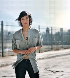 Jenny Shimizu - Like the longer hair on her as well as the short Androgynous Models, Androgynous Fashion, Tomboy Fashion, Androgyny, Tomboy Style, Style Fashion, Jenny Shimizu, Locks, Boy Meets Girl