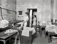Washington circa 1920. Laundry at Library of Congress with steam cabinet. http://j.mp/1TDpH4L National Photo