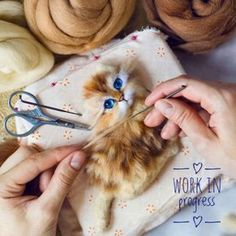 needle felted cat Updates from RunningMouse on Etsy Needle Felted Cat, Needle Felted Animals, Felt Animals, Needle Felting Tutorials, Felt Fairy, Wool Art, Felt Cat, Nuno Felting, Handmade Felt