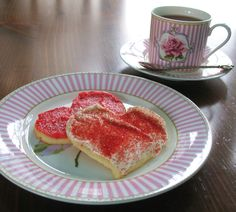 Valentine cookies on a Laura Ashley plate. Valentine Cookies, Laura Ashley, Afternoon Tea, Bone China, Tea Time, French Toast, Plates, Breakfast, House